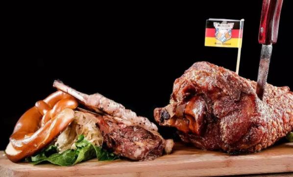 德国烤猪肘